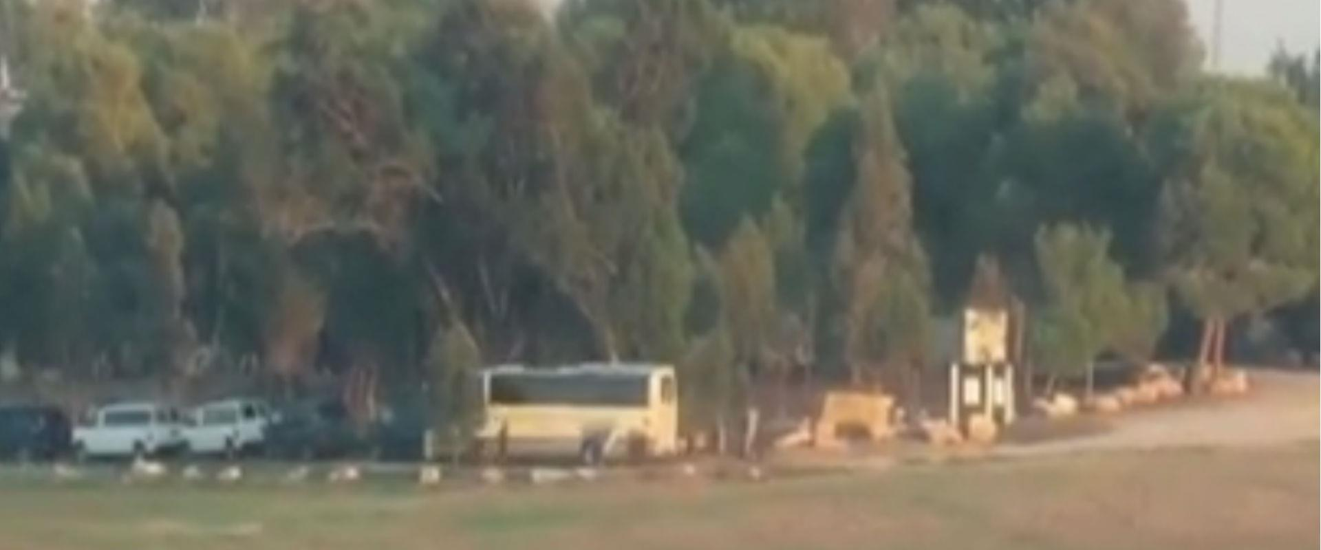 """האוטובוס שנפגע מירי הנ""""ט"""