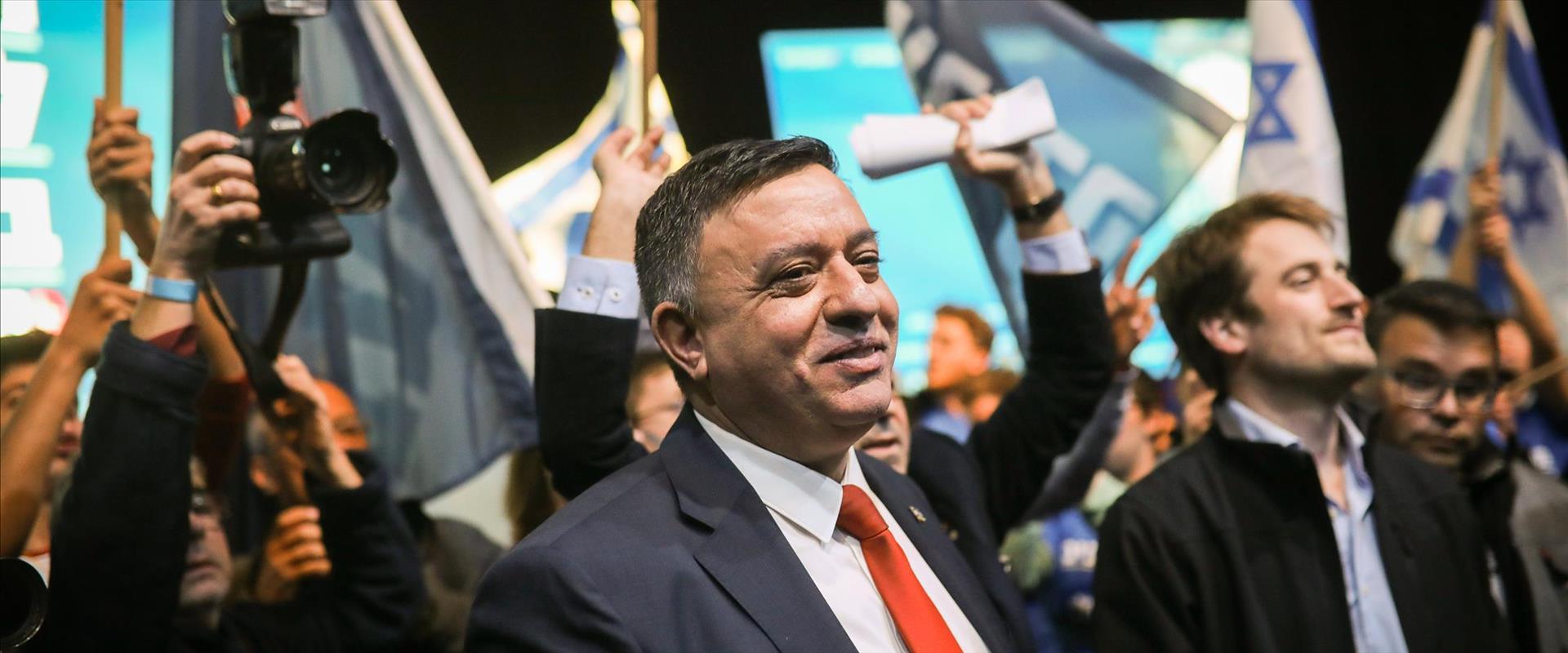 אבי גבאי בוועידת המפלגה