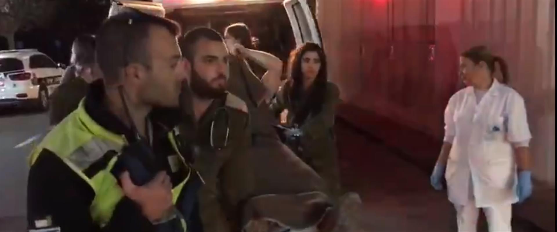 פינוי הקצין שנפצע בגבול עזה