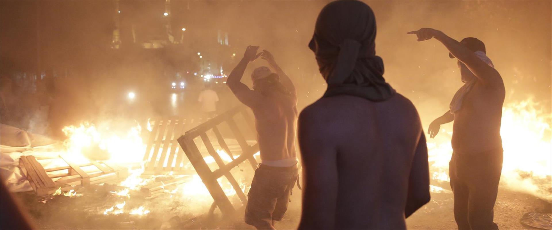 הפגנות בלבנון, הלילה