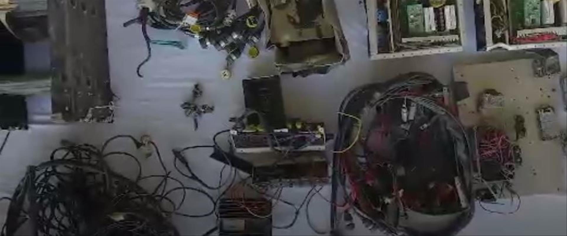 תיעוד חמאס של חומרים שנתפסו בפעולה בחאן יונס