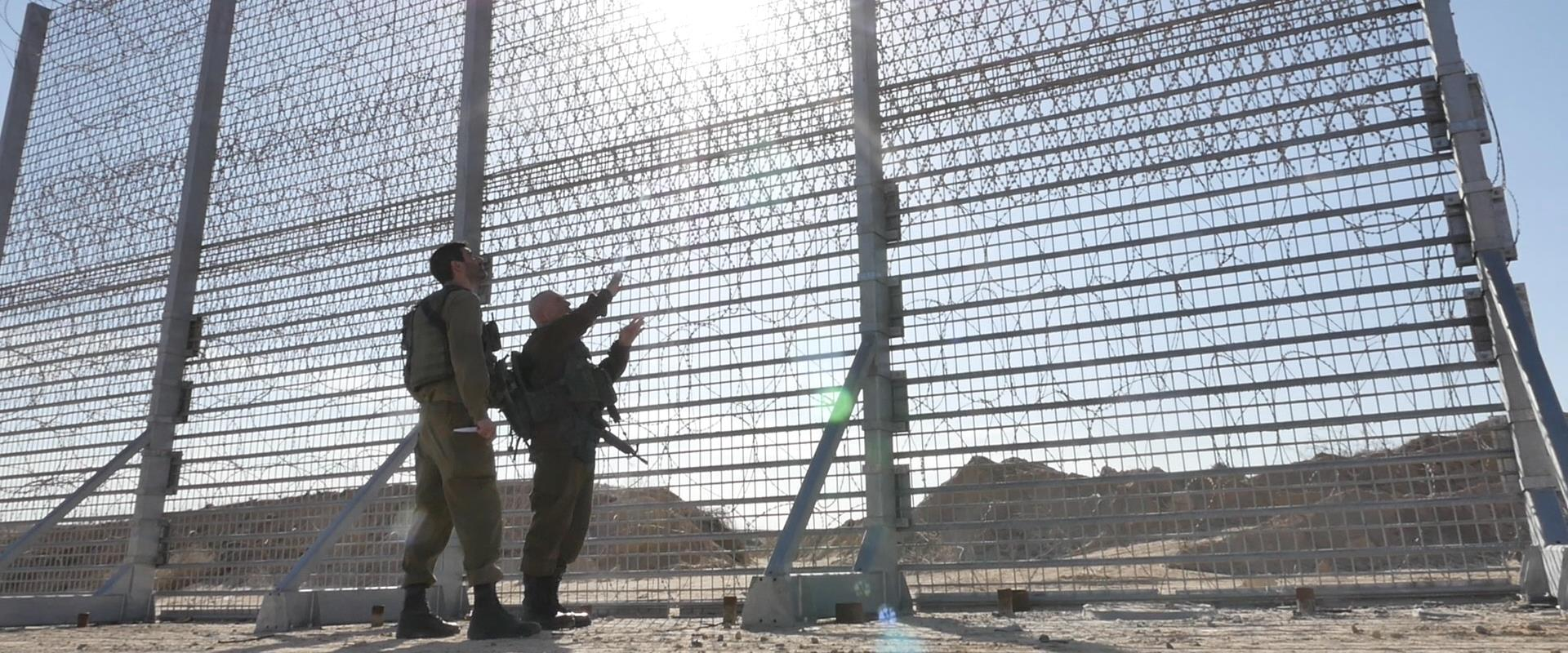 העבודות על בניית המכשול העילי בגבול עזה