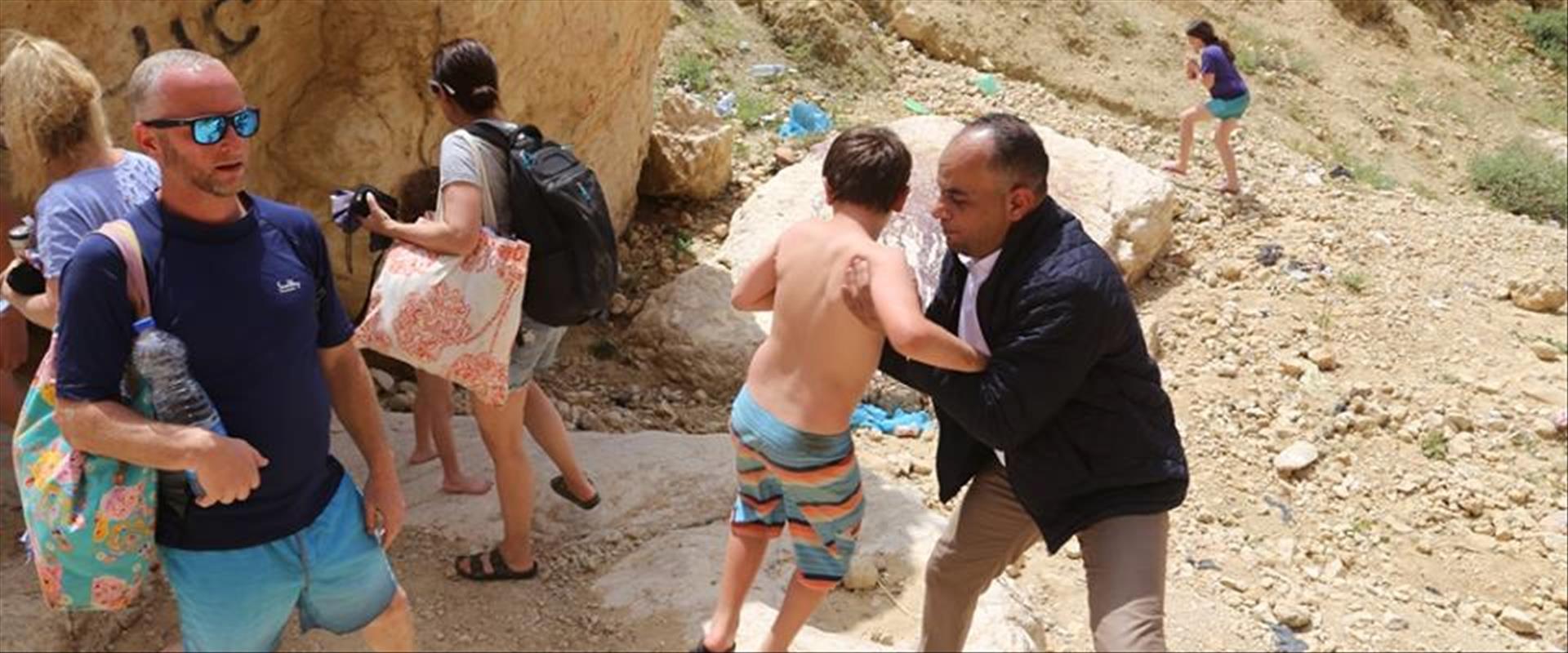 ראש עיריית כרכ בירדן עוזר לתיירים מישראל