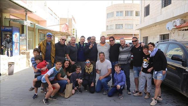 ראש עיריית קרק והמטיילים הישראלים