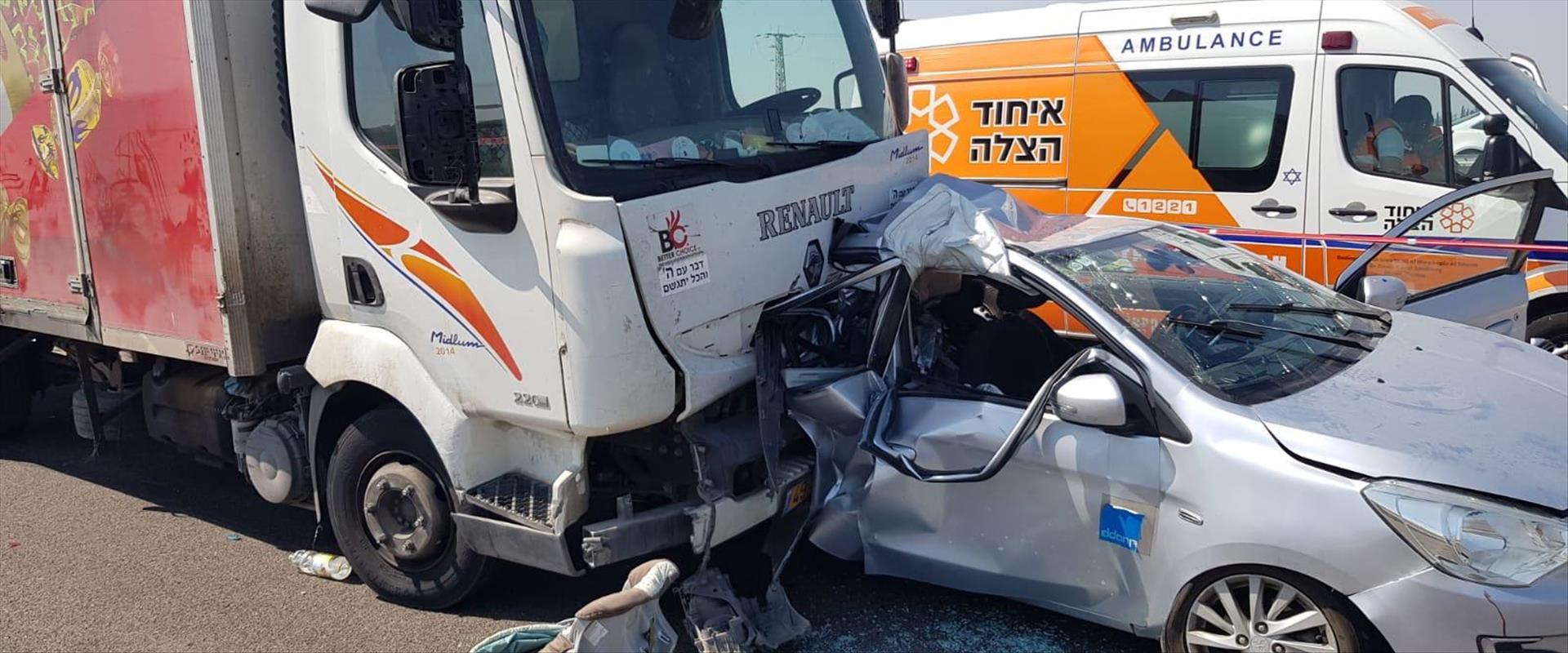 זירת התאונה בכביש 7