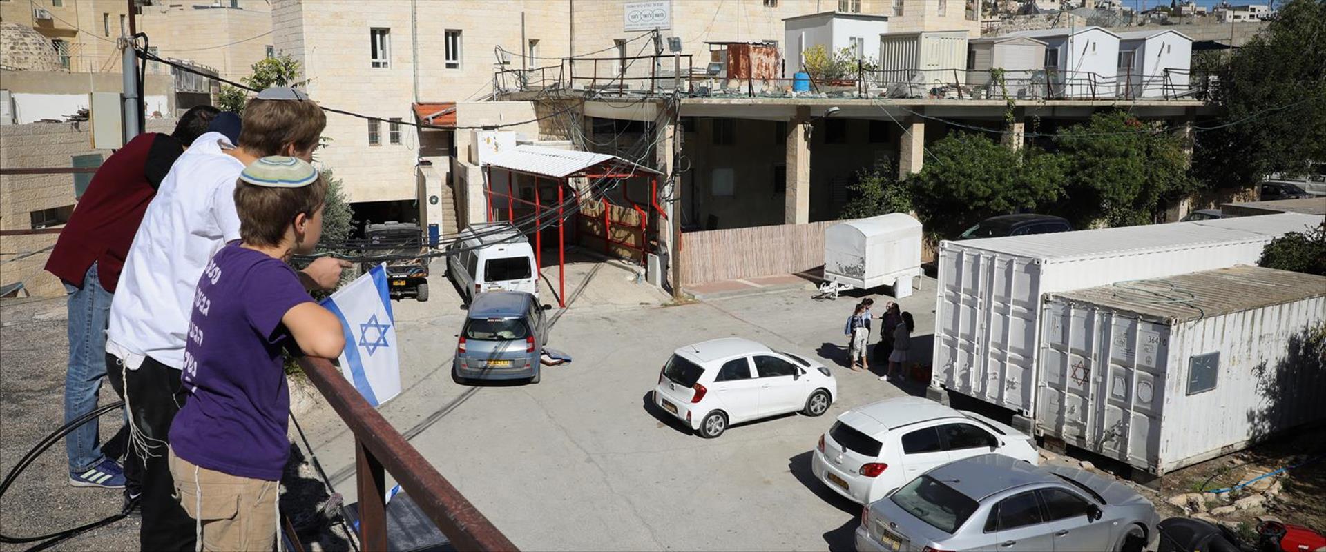 אזור השוק הסיטונאי במרכז חברון