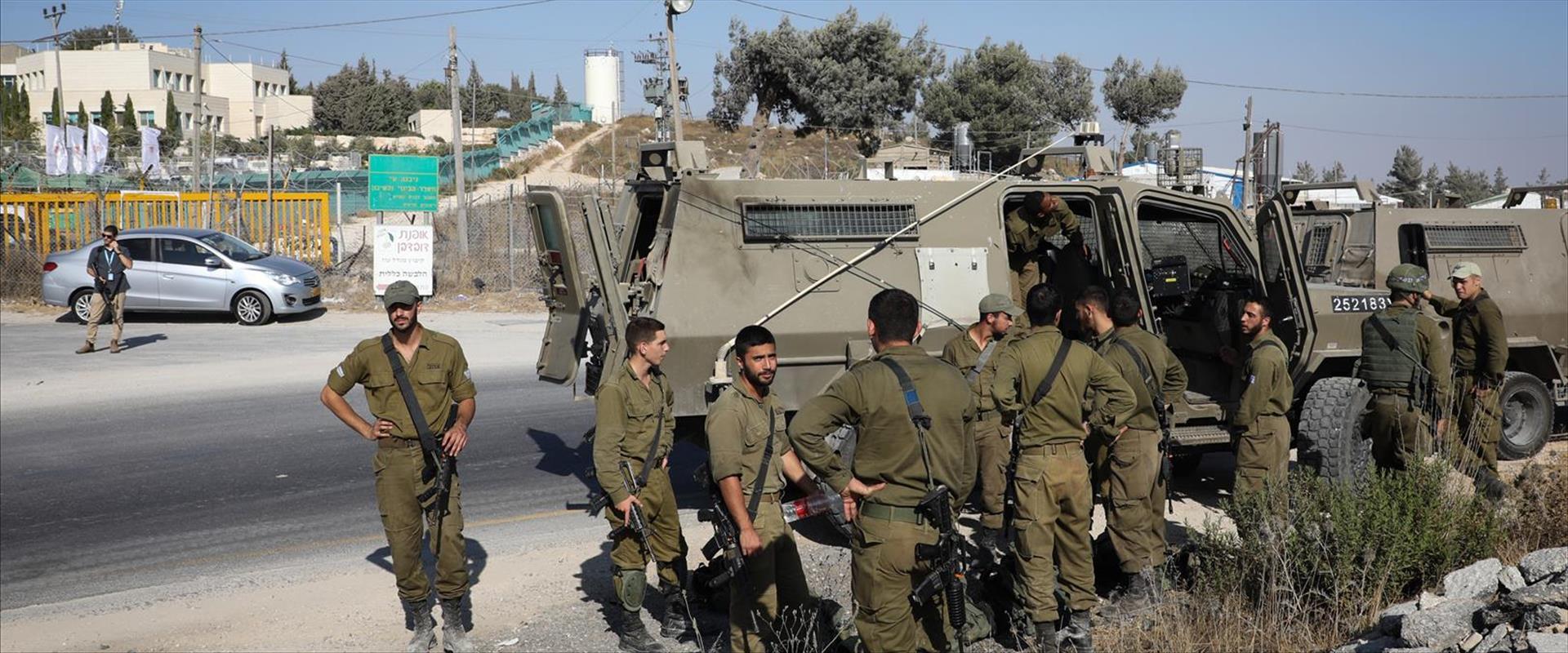 """כוחות צה""""ל מתגברים אבטחה בגוש עציון"""