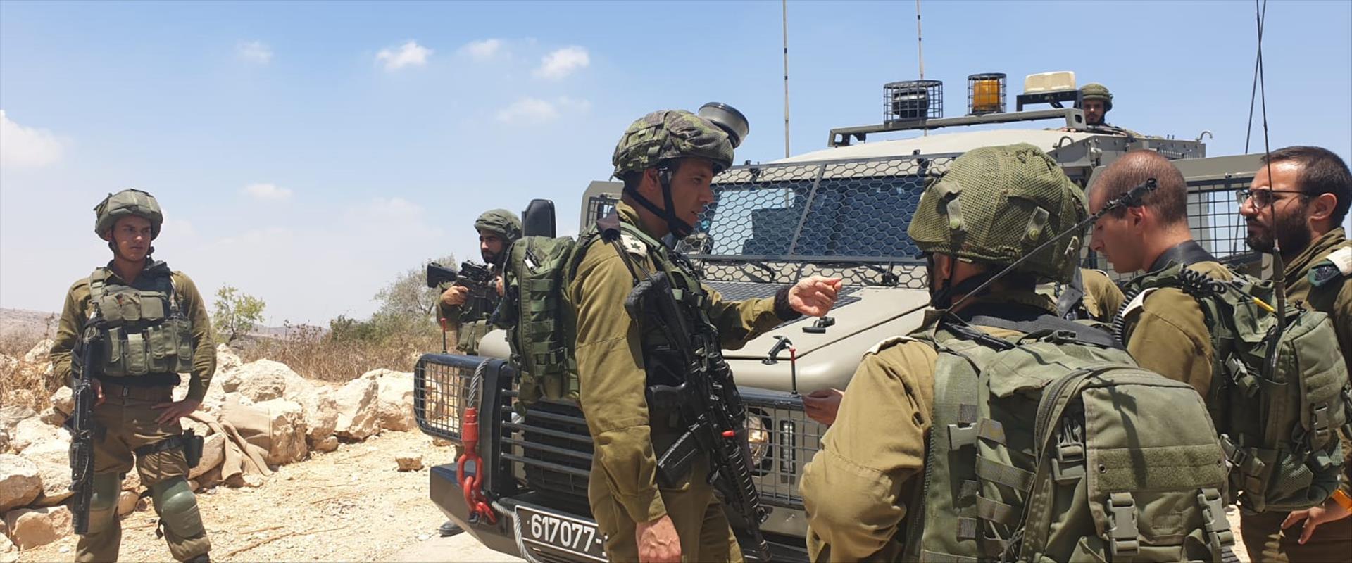 """כוחות צה""""ל פועלים ביהודה ושומרון, בחיפוש אחר המחבל"""