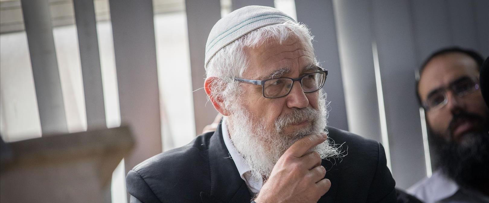 הרב מוטי אלון, ארכיון