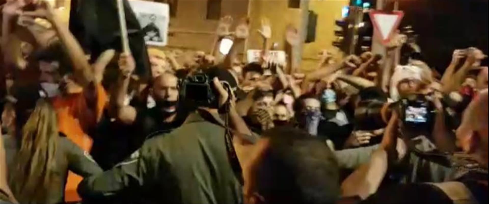 משתתפים בצעדת המחאה לכנסת בירושלים