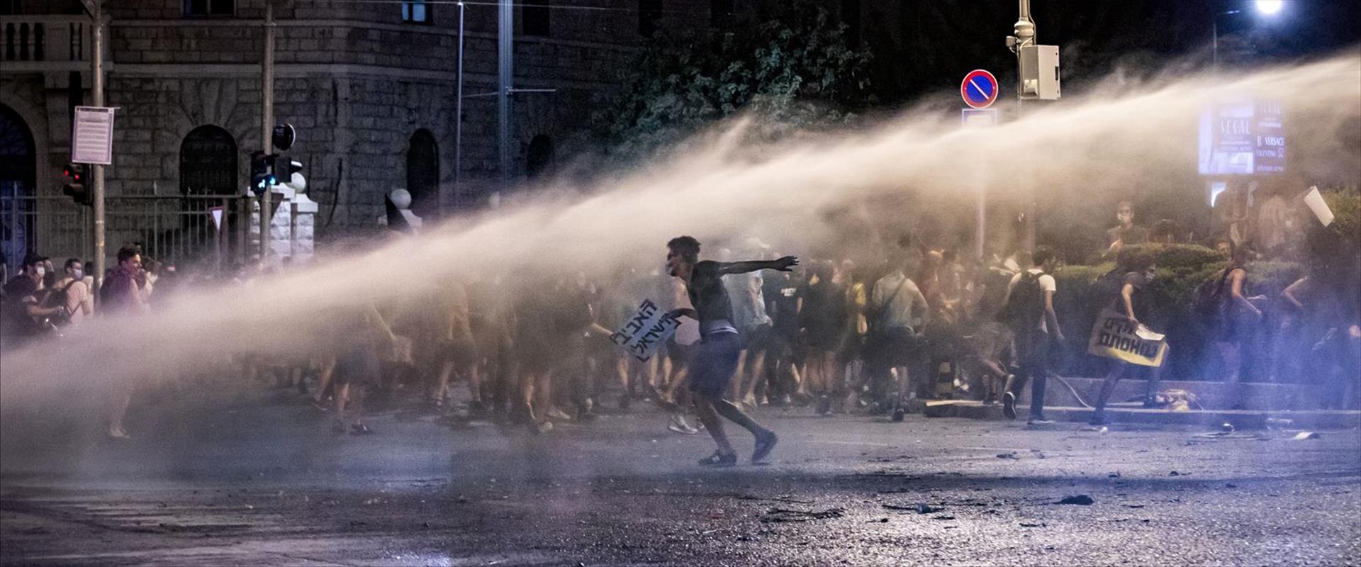 המפגינים שנפגעו מאלימות שוטרים משחזרים