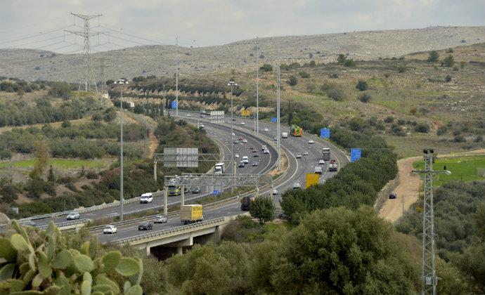 כביש 6. מוריד את העומס בכביש החוף (צילום: פלאש 90)