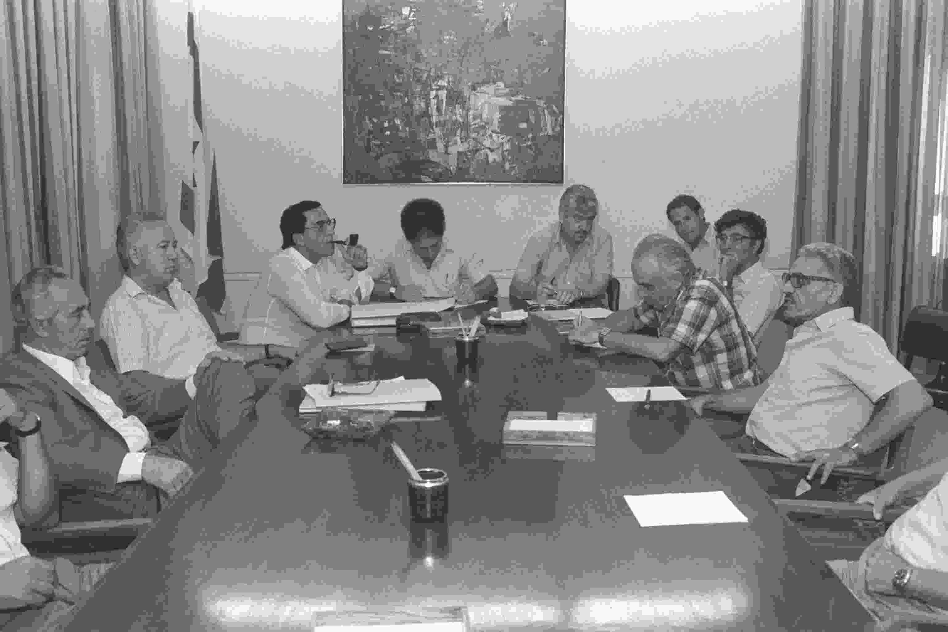 ישיבת הממשלה של ה-30 ביוני 1986. רה