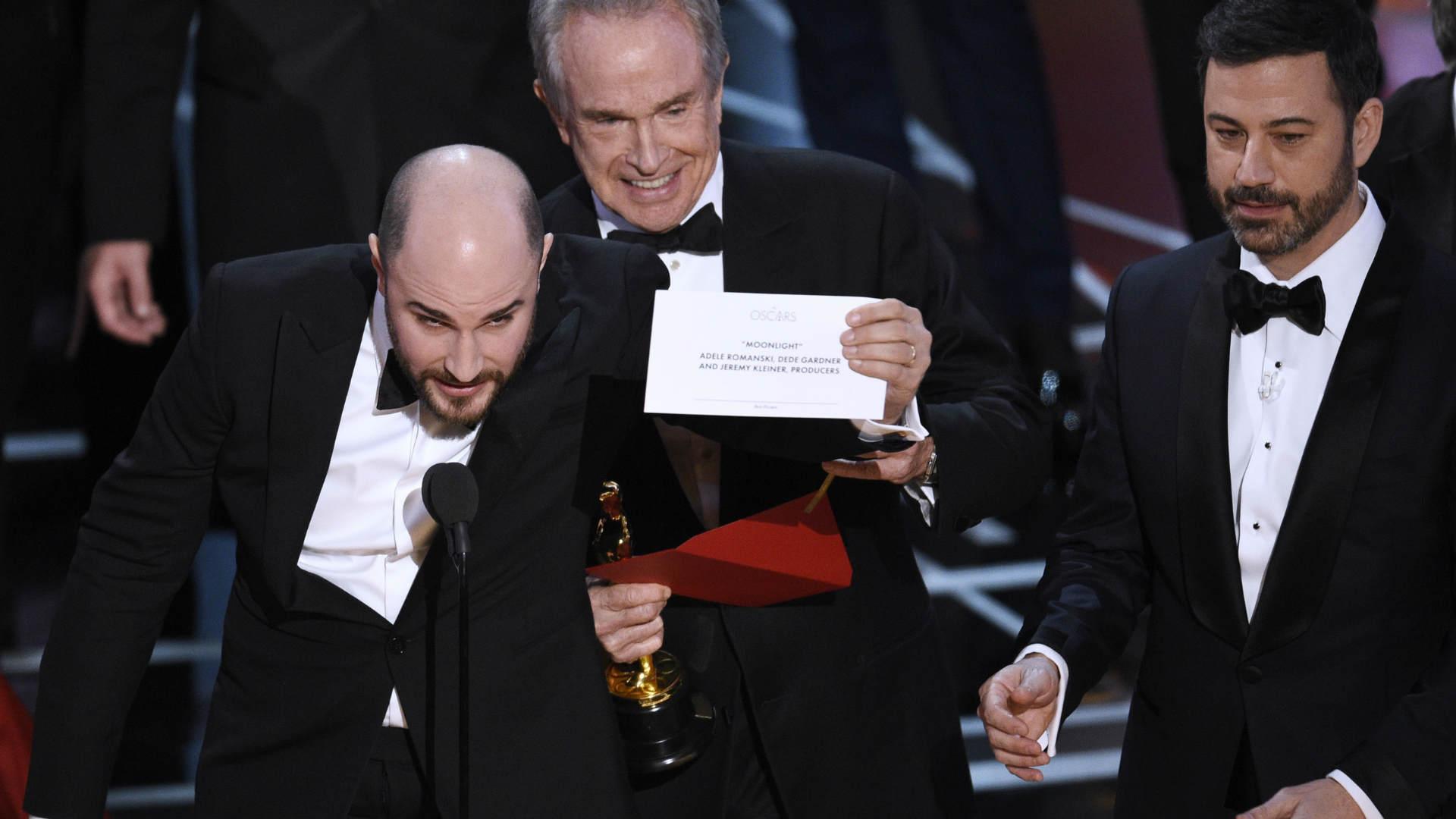"""במאי """"לה לה לנד"""" מוכיח כי """"אור ירח"""" זכו בסרט הטוב"""