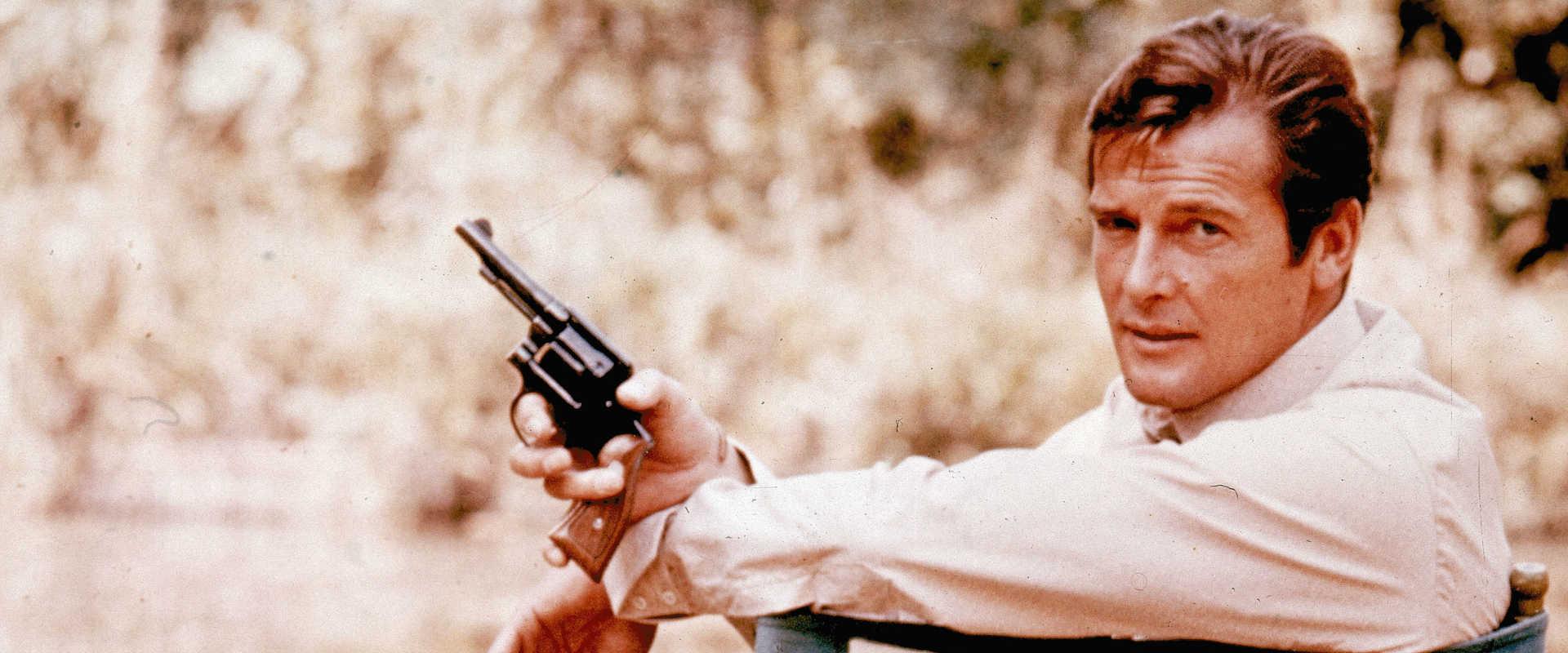 רוג'ר מור על סט הצילומים, 1972