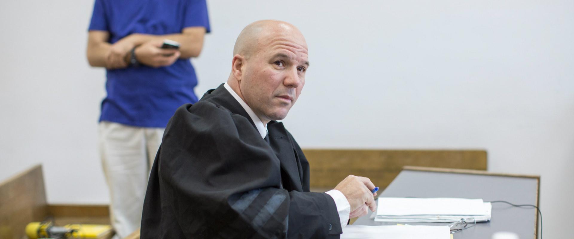 """עו""""ד אורי קורב במהלך משפטו של רה""""מ לשעבר אולמרט, מ"""