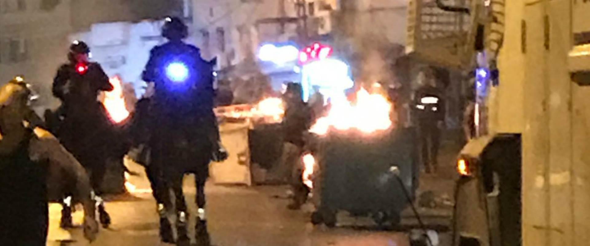 כוחות משטרה באזור המהומות ברחוב יפת ביפו