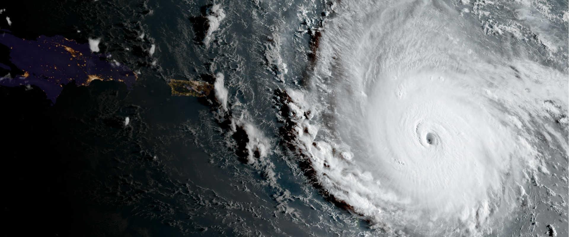 הוריקן אירמה מעל האוקיאנוס האטלנטי