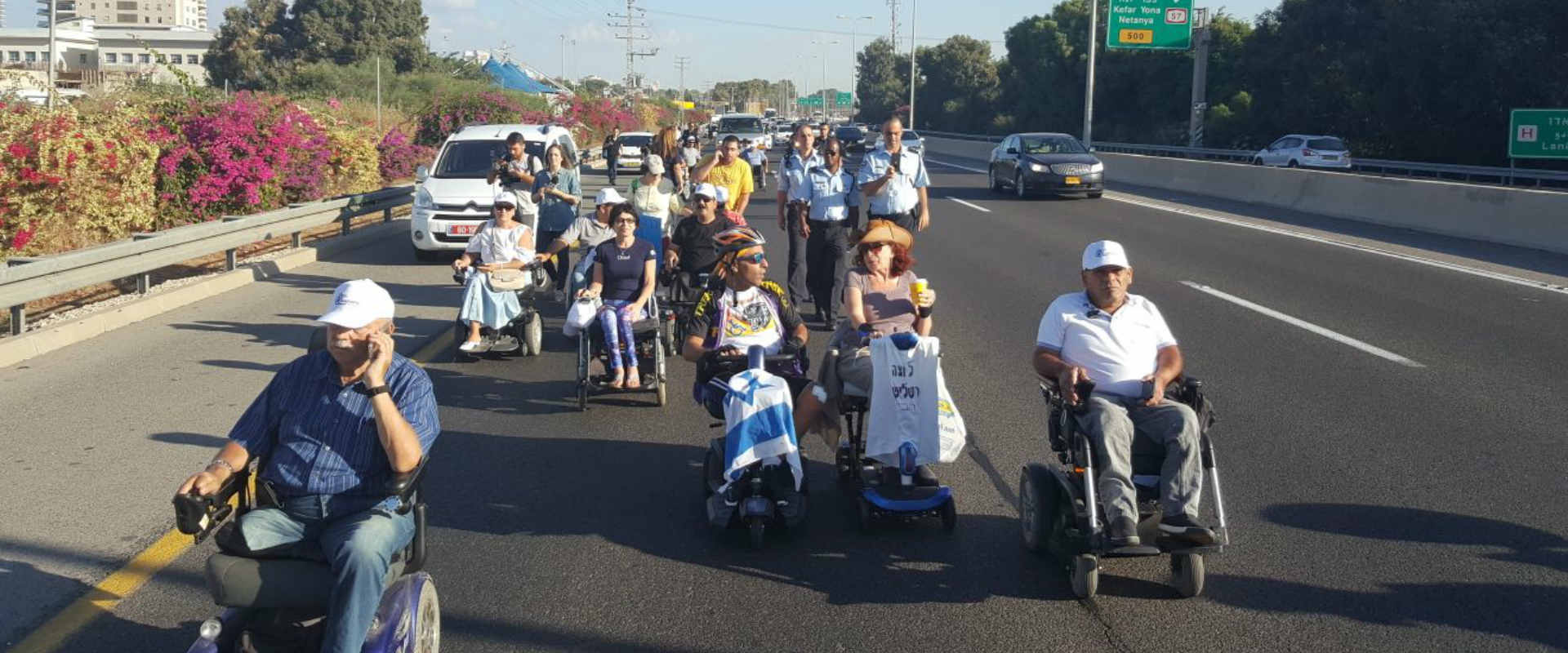 מפגינים חוסמים את כביש 4, בחודש שעבר