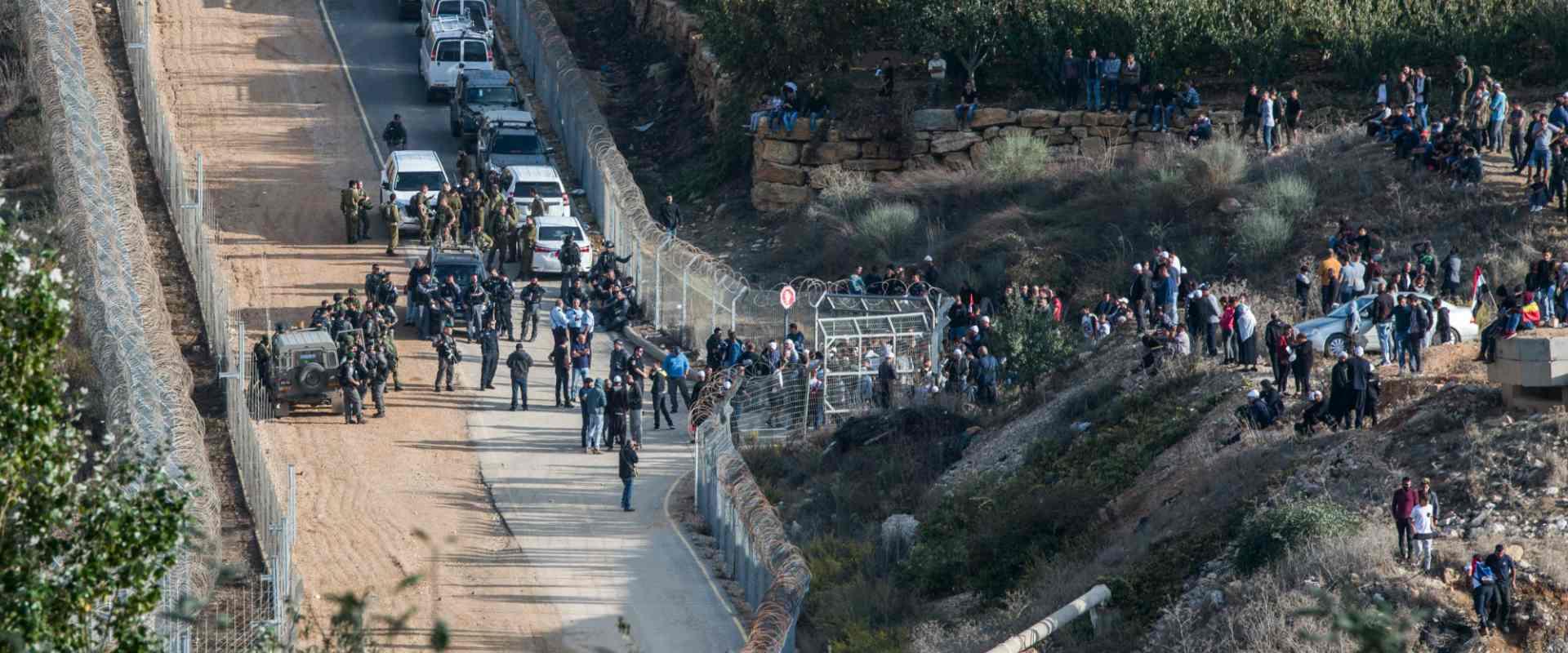 דרוזים חוצים את גדר הגבול עם סוריה