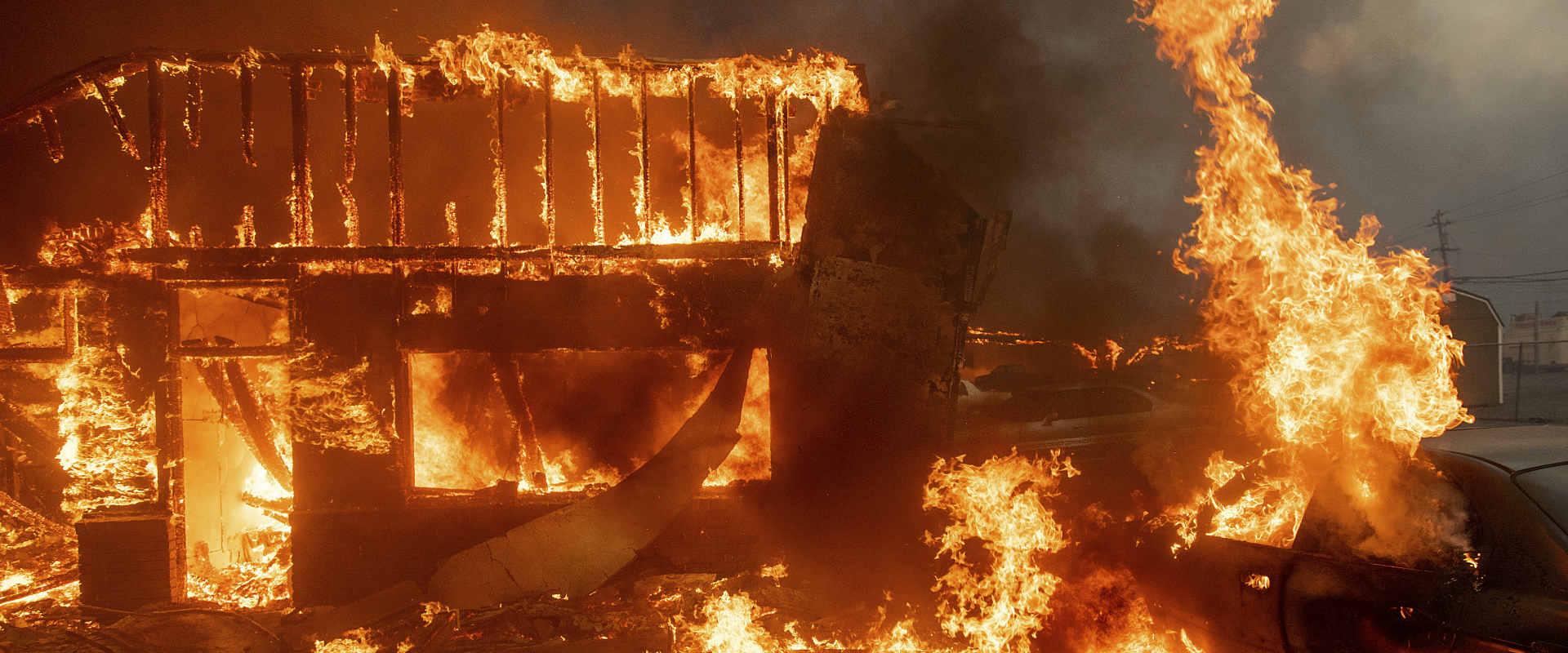 השריפה בקליפורניה, הלילה