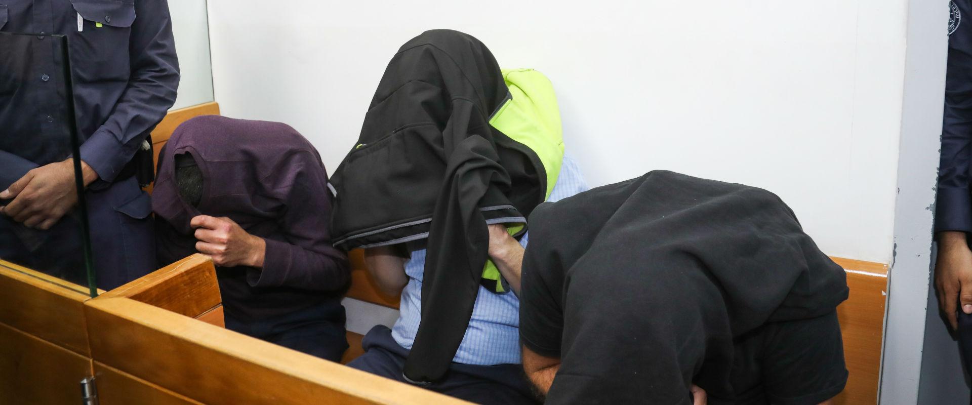 החשודים בפרשת הברחת היהלומים בבית המשפט