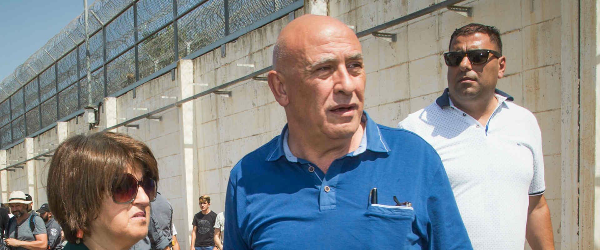 באסל גטאס טרם כניסתו לכלא