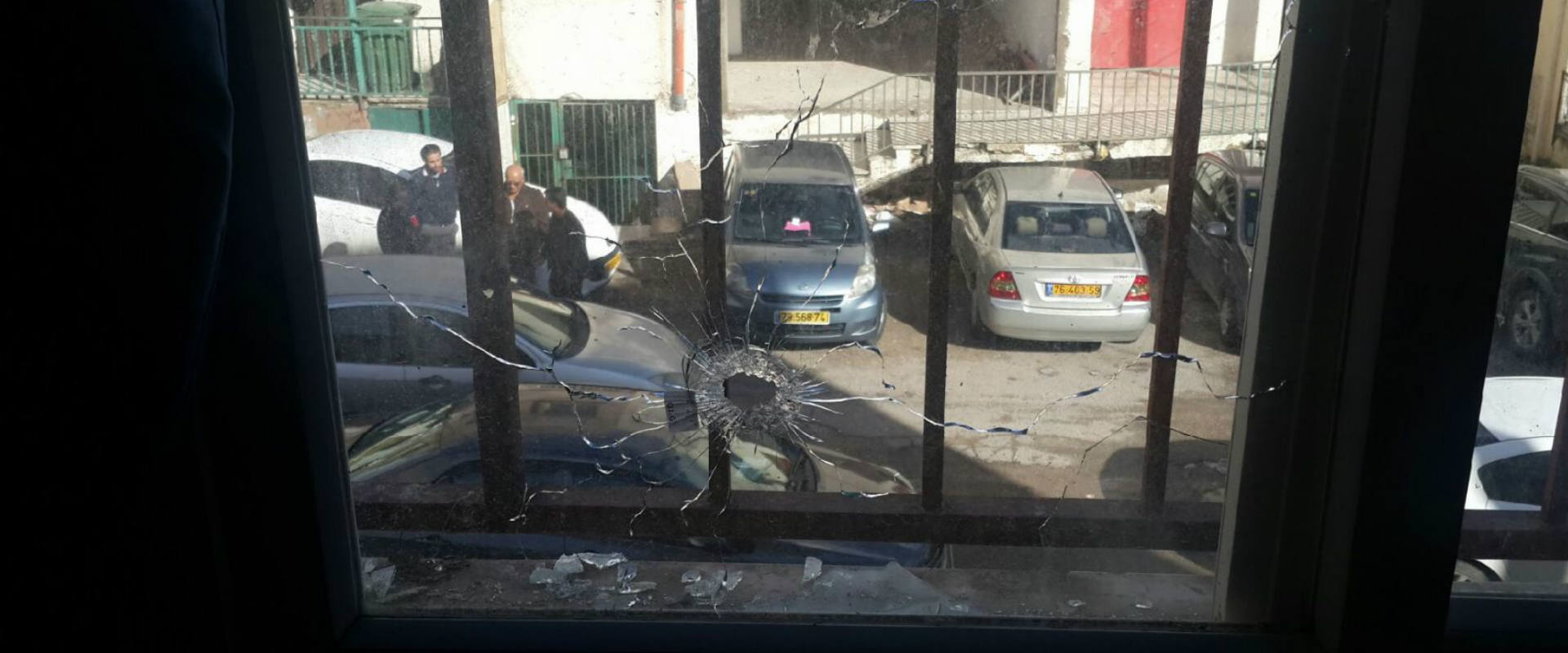 ירי לעבר המשרד של פתחיה אגבריה, מנהלת השירותים הסו